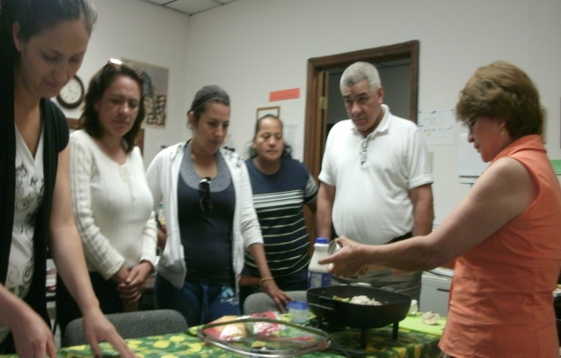 Extension Agent demonstrated cooking techniques to Hispanic citizens